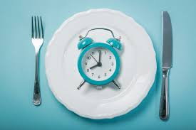 A picture depicting Intermittent Fasting. The health benefits of intermittent fasting